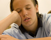 Slapeloosheid bij een vermoeide puber